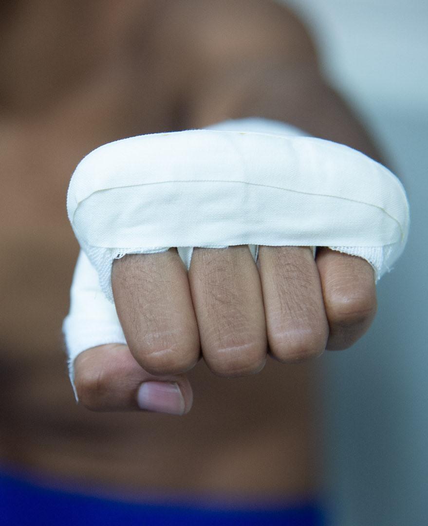 Cách quấn băng tay Muay Thái
